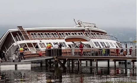 One-of-a-kind ships sinks in Knysna